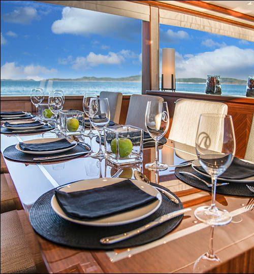 Ocean Alexander 88 dining