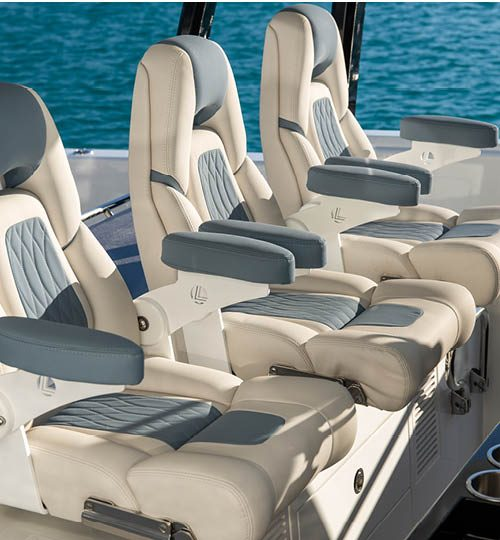 Tripple Helm chairs - Ocean Alexander 45 Divergence